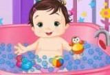 لعبة استحمام البيبي