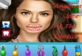 انجلينا جولي في عيادة الاسنان